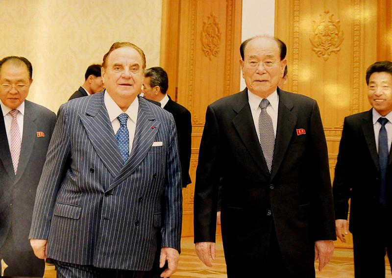Giancarlo Elia Valori con Kim Yong-Nam - presidente del Presidium dell'Assemblea Suprema del Popolo nordcoreano